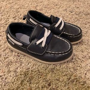 Carter's boys boat shoes size 8